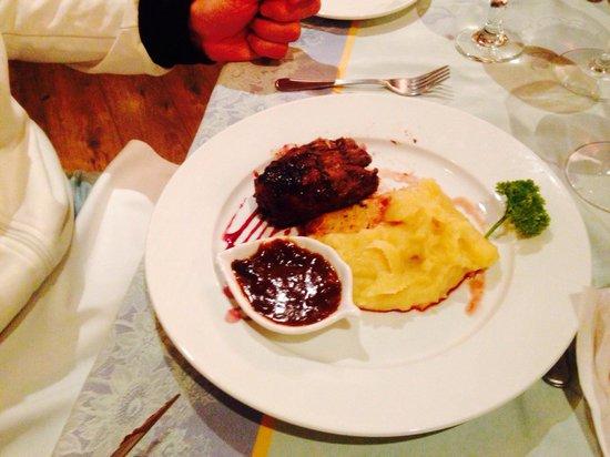 Hotel Panamonte : Angus prime con salsa demi-glase y guarnición de puré