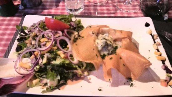 Le Tyrolien: Croustillant figues roquefort