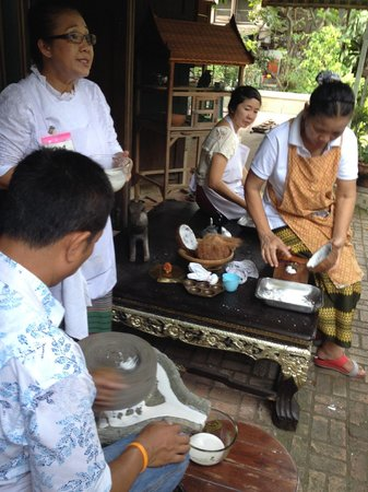 Amita Thai Cooking Class: Getting the ingredients ready for later in the day