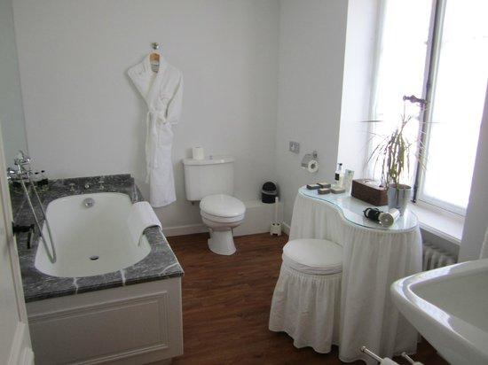 Domaine De Kerbastic: Salle de bains