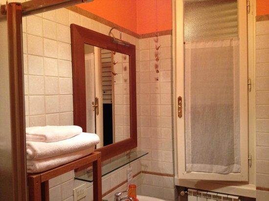 Caffeletti B&B: il bagno - bathroom