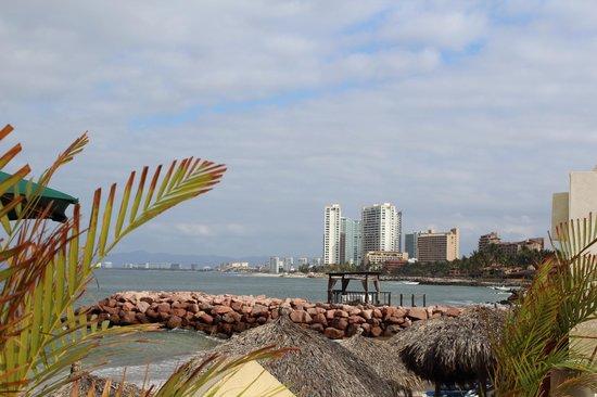 Canto Del Sol Plaza Vallarta: deck before the beach