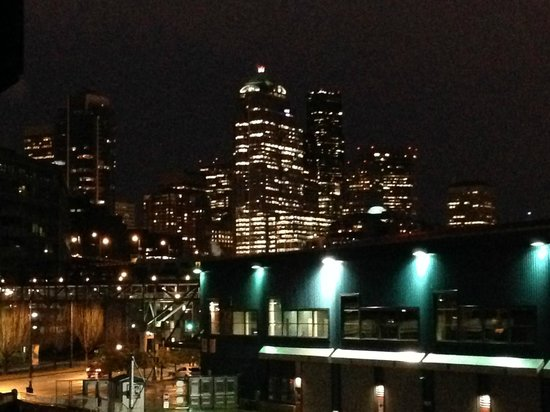 The Edgewater, A Noble House Hotel: City View at Night