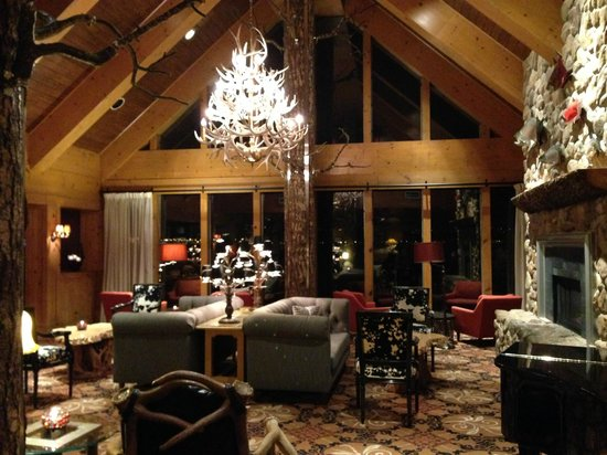 The Edgewater, A Noble House Hotel: The lounge