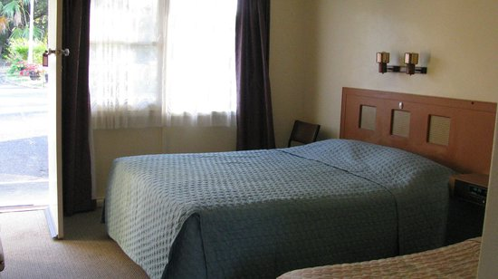 Suncoast Motel