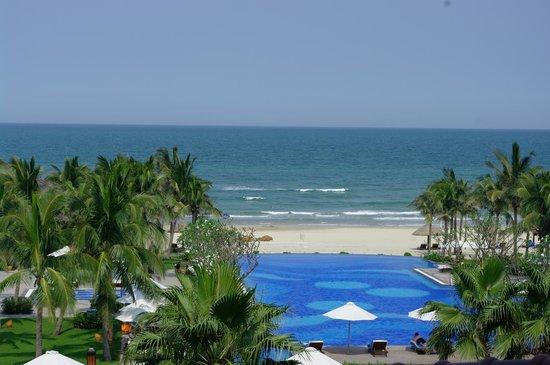 Vinpearl Da Nang Resort & Villas : View from Ocean View Balcony