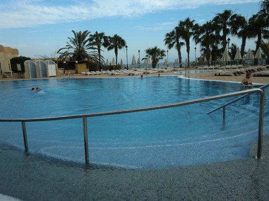 SBH Taro Beach: l'arrivée à la piscine