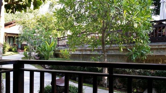 Aonang Phu Petra Resort, Krabi : The pool villa view