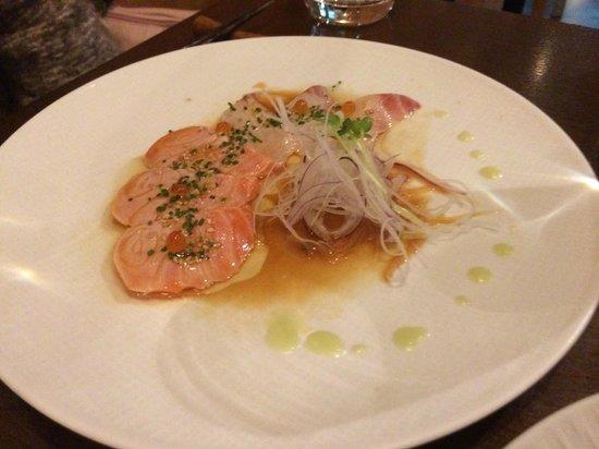 Restaurant Kiku: 前菜.スズキと鮭のタタキ