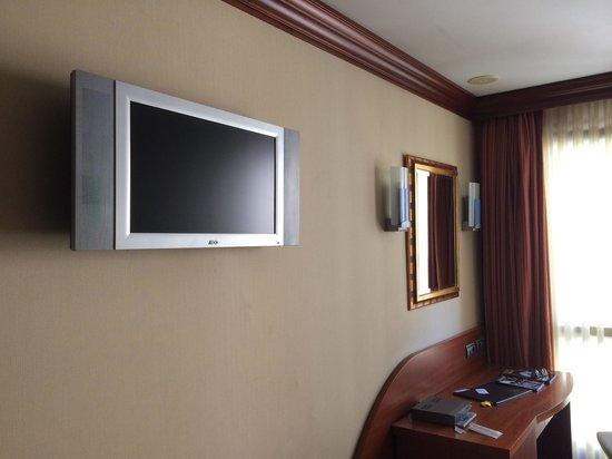 Hotel Amadeus: Tv habitación
