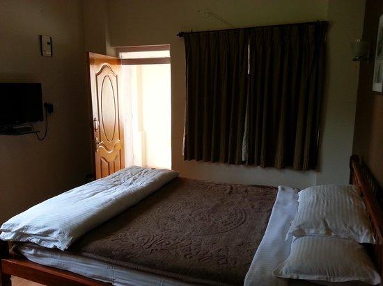 Bouganvilla: inside Room 107