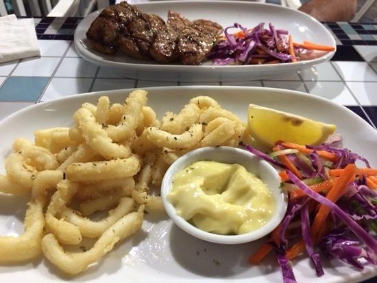 El Greco Greek Taverna: entree calamari & cooked sausages