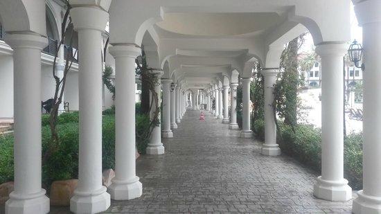 WOW Topkapi Palace: переходы