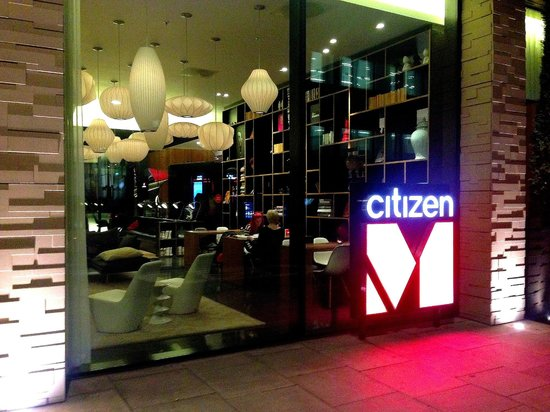 citizenM London Bankside : Front entrance