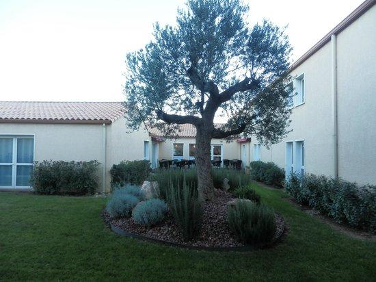 Le Pavillon Hotel : Courtyard