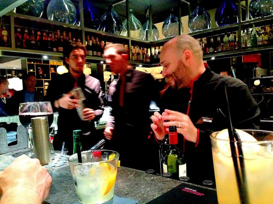 citizenM London Bankside : Convivial bartenders