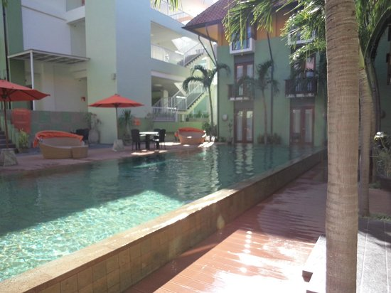 HARRIS Hotel Tuban : Pool