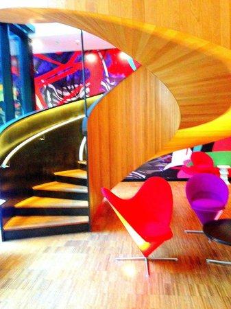 citizenM London Bankside: Spiral staircase