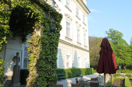 Hotel Schloss Leopoldskron: The back veranda - used in the Sound of Music