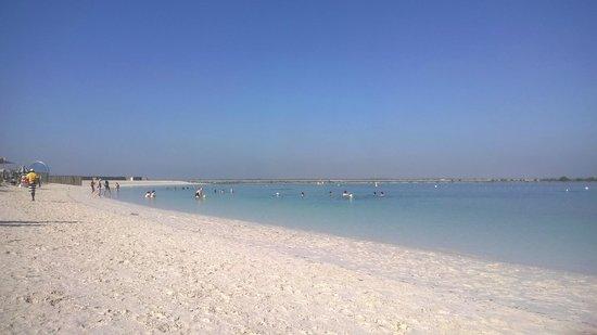 Yas Viceroy Abu Dhabi : пляж