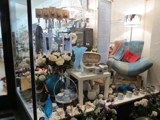 White Lily Home and Gift: Blue Hue Window - Gorgeous Gift Ideas
