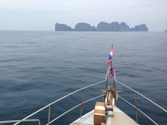 Sub Aqua Dive Center: Good morning, Phi Phi!!