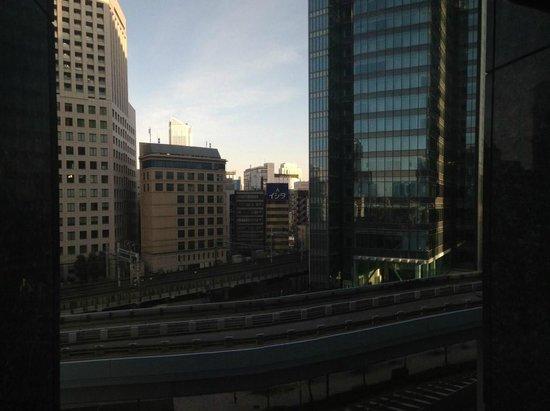 Hotel Villa Fontaine Tokyo-Shiodome: Blick outside window