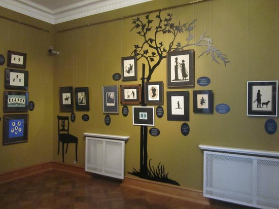 Kadriorg Park: The exhibition Eveline von Maydell: A World in Black and White, silhouettes 29.03.14 – 07.09.14