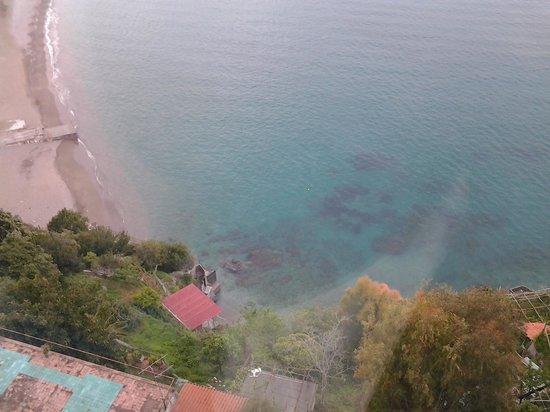 Hotel Voce del Mare: vista dalla sala da pranzo:100mt sul mare