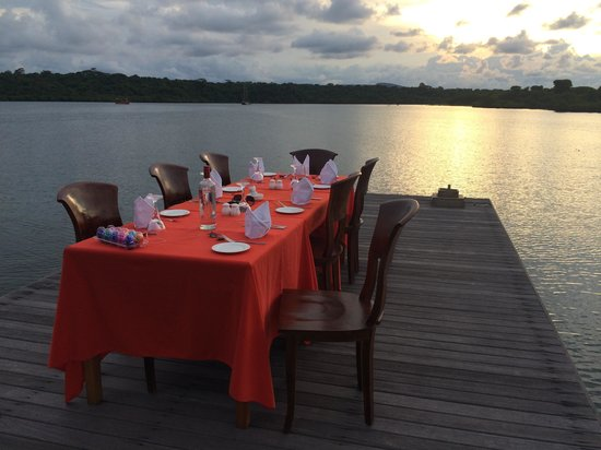 Naya Gawana Resort & Spa: Dinner on the Jetty