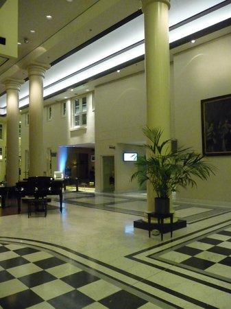 NH Collection Amsterdam Barbizon Palace: hall