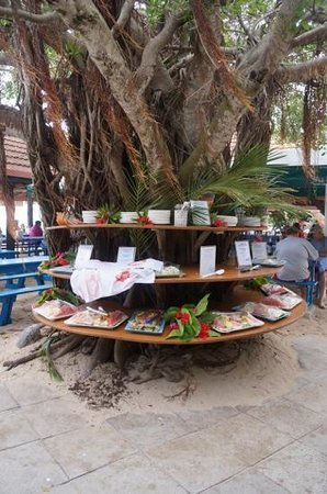 Amedee Lighthouse Island: desert station - fruits, puddings, pineapple crumble and caramelised bananas :)