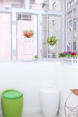 Inn Spirit: Mini sitting room