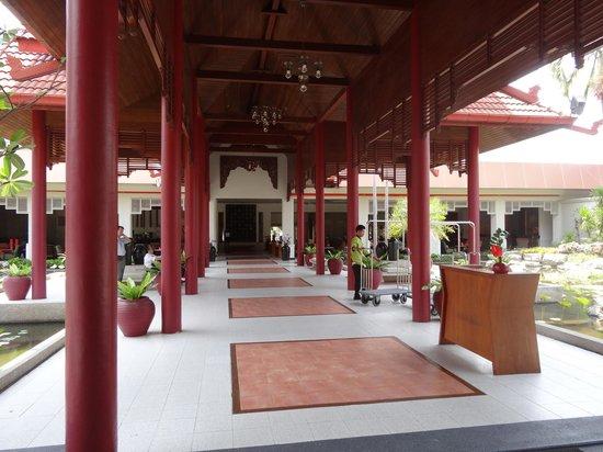Amari Garden Pattaya: Hotel entrance