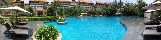 Renaissance Sanya Resort & Spa: Superbe piscine!