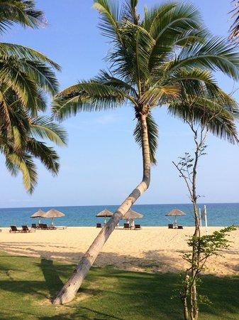 Renaissance Sanya Resort & Spa: La plage de l'hôtel