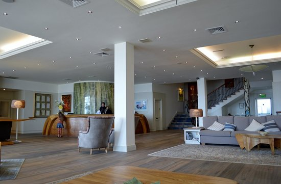 Inchydoney Island Lodge & Spa : Beautiful hotel reception 5 star