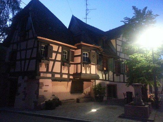 Hotel Dontenville : maison du village