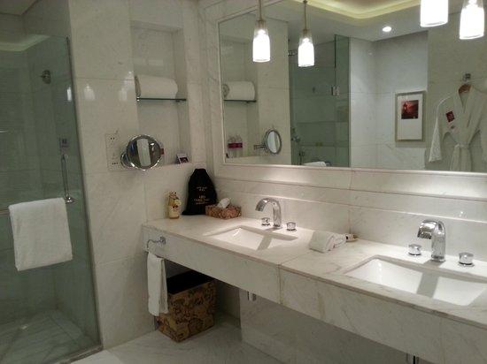 Crowne Plaza Hotel Suzhou : Bathroom