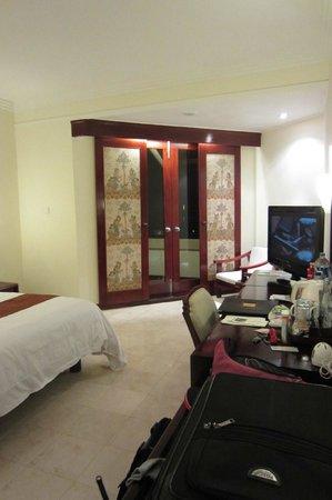 Discovery Kartika Plaza Hotel: room