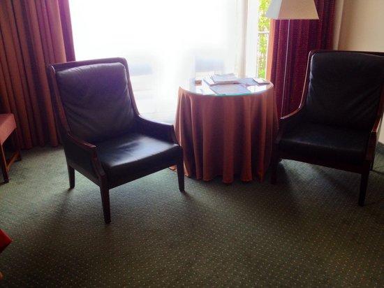 The Plaza Hotel : Mooi zitje op de kamer.