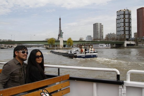 PARISCityVISION: Seine cruise with my wife