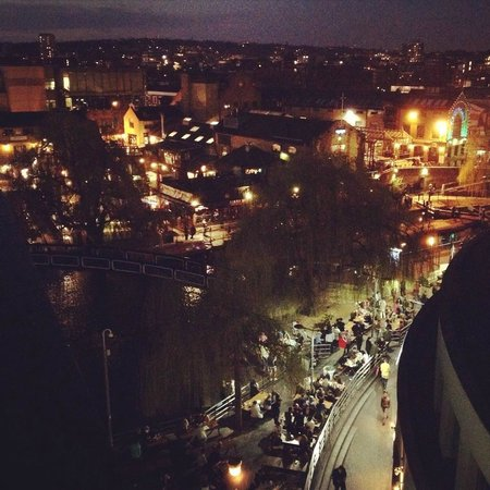 Holiday Inn London - Camden Lock : Night time view from the penthouse balcony