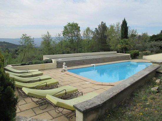 Chez Soi en Luberon : Belle piscine