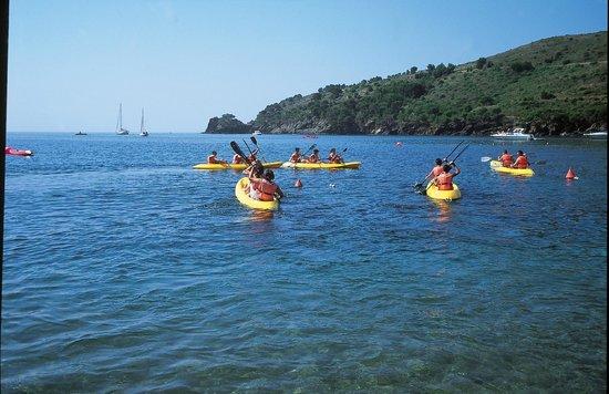 Cala Montjoi Ciudad de Vacaciones: Kayaks
