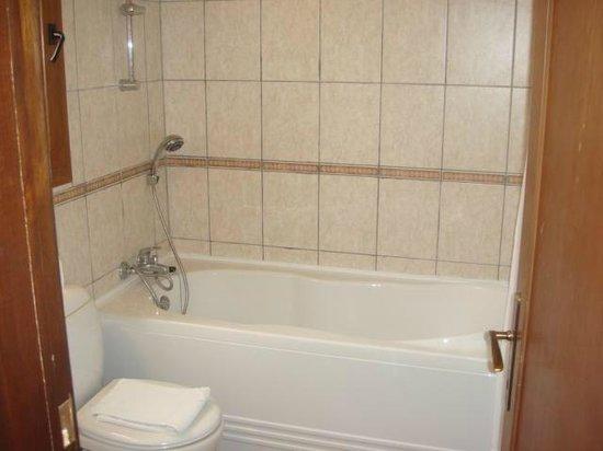 Altinkaya Holiday Resort: Hotel Bathroom