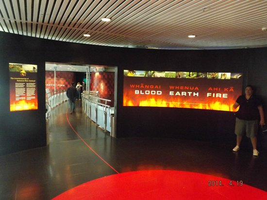 Te Papa Tongarewa : Blood Earth Fire