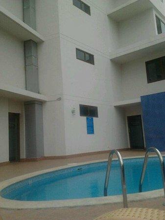 Hotel Principe & Suites : Piscina