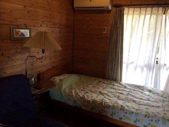 Yadoya Kabira Yu-naya: 二階シングルルーム