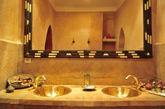 Riad Les Nuits de Marrakech: salle de bains